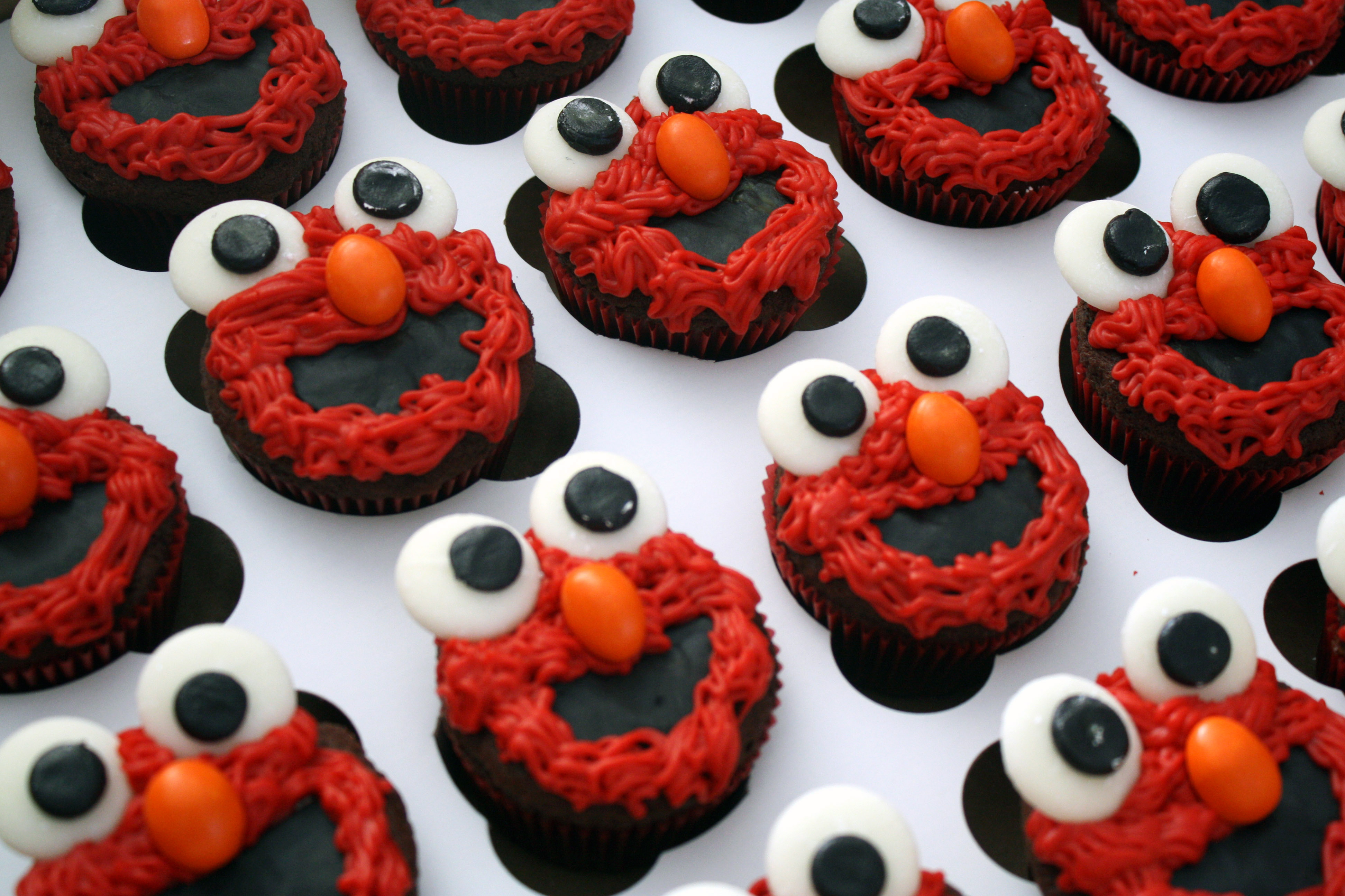 Elmo Birthday Cake and Cupcakes Peace Love and French Fries